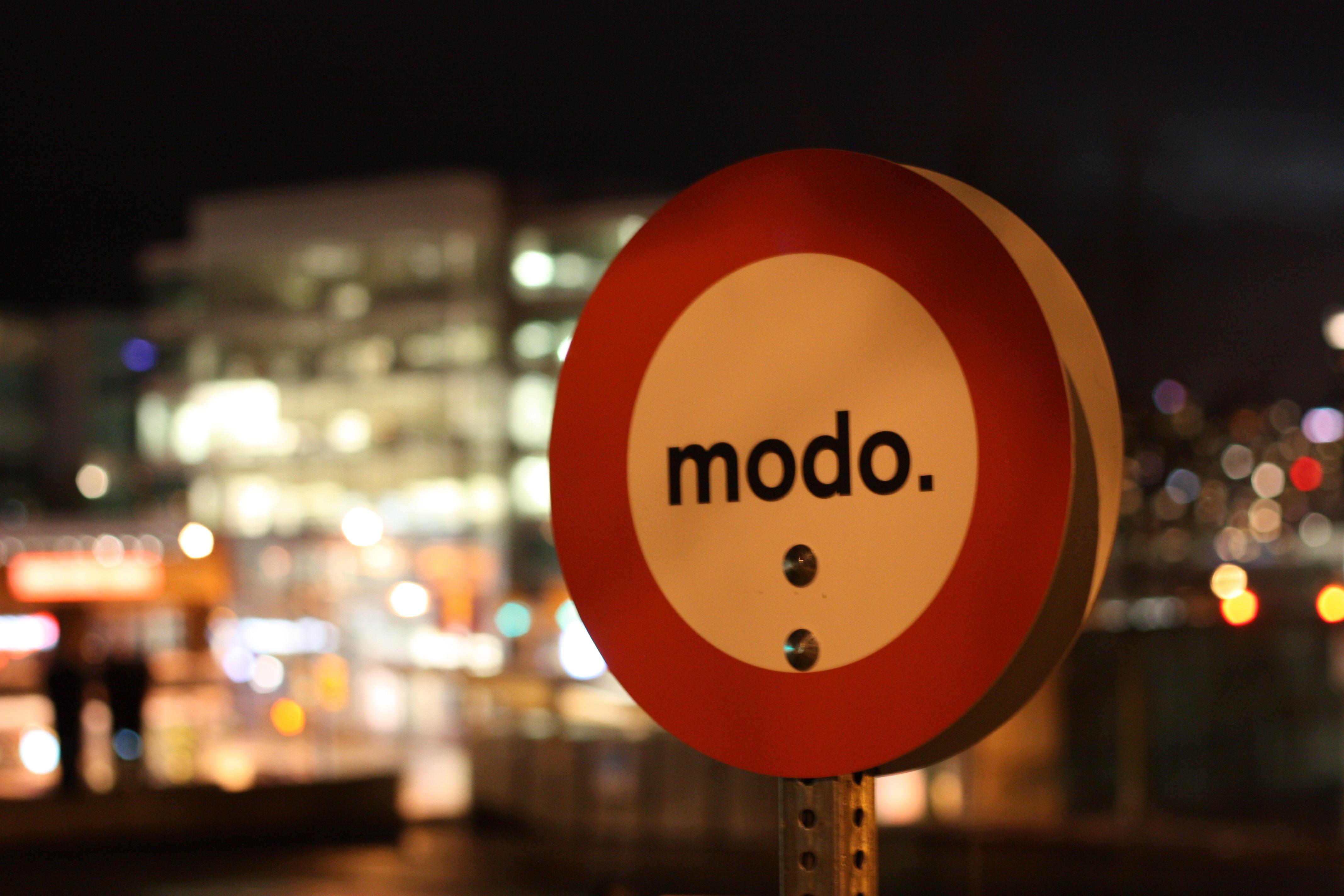 Modo sign at night